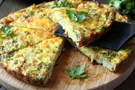Crustless-Asparagus-Quiche-1-750x500