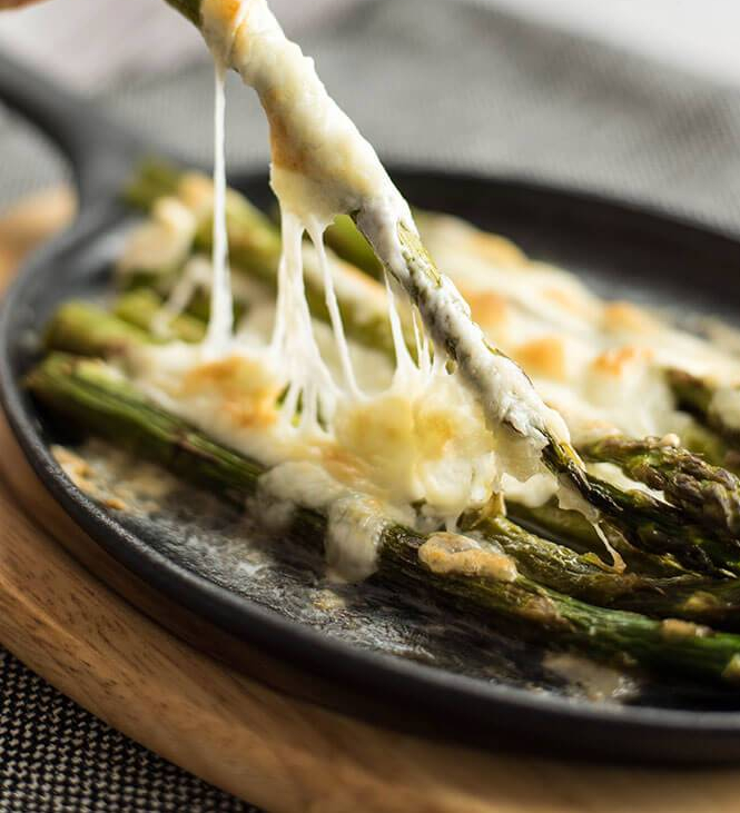 Roasted-Asparagus-with-Mozzarella-5