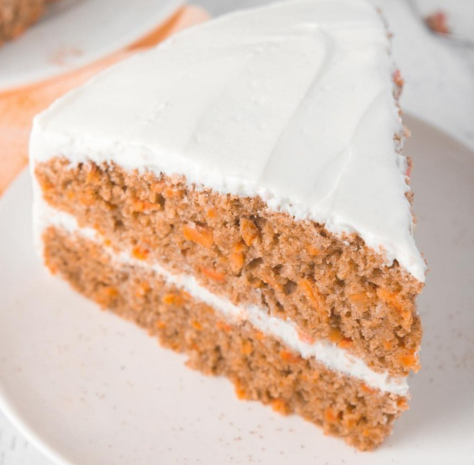 ultimate-healthy-carrot-cake-5517-683x1024