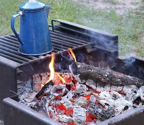 camping-2650601_960_720